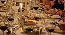 Inszeniertes Dinner Event: Märchen Tafel/ 1001 Nacht/ Orientalische Speisen auf goldenen Teller